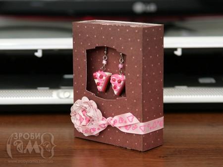 Упаковка для сережок в подарунок на День Валентина