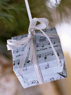 Декоруємо подарунками (новорічний майстер клас)