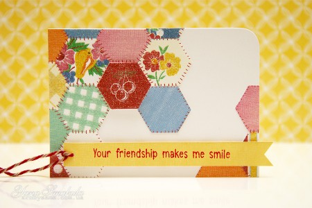 Листівка Your Friendship Makes Me Smile (колекція Family Ties від First Edition)