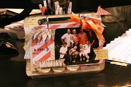 Вітаємо вас на літній виставці CHA 2012. День 1. Частина 5. Heidi Swapp - Memory Display