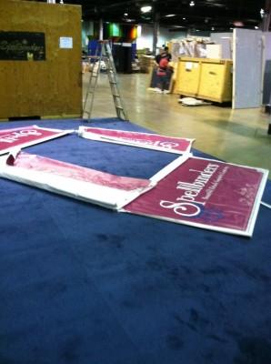 Вітаємо вас на літній виставці CHA 2012. День 1. Частина 7. Spellbinders - behind the scenes