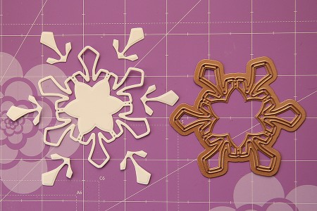 Новорічні листівки із колекції Christmas Village а ножів Spellbinders. Листівка Winter Greetings