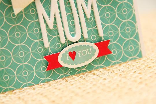 Листівка до Дня Матері I love you Mom