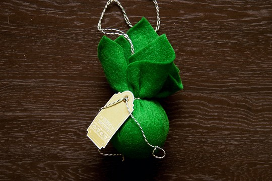 Easy matching Christmas Ornaments with Felt