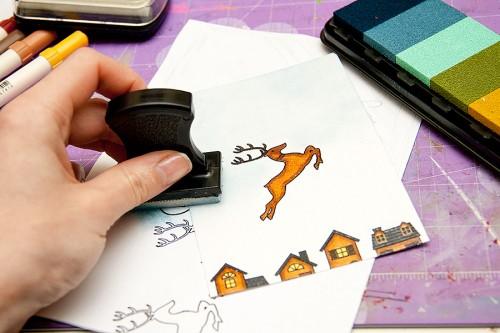 Майстерня різдвяних листівок 2013 | Формування композиції (місця, події) поєднуючи декілька різних штампів. Використання підручних засобів для штампування. Тонування фону. Резист ефект.