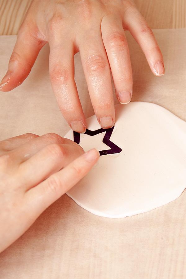 Глиняні зірочки на ялинку за допомогою ножів Spellbinders