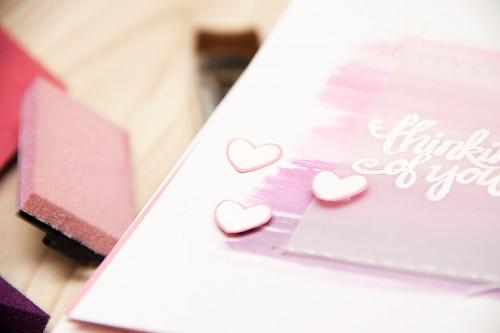 Листівка щомісяця: Рожева листівка Thinking of You із мазками пензлика