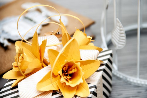 Yana Smakula | Spellbinders Create A Flower Dies - Beautiful Daffodils S2-128